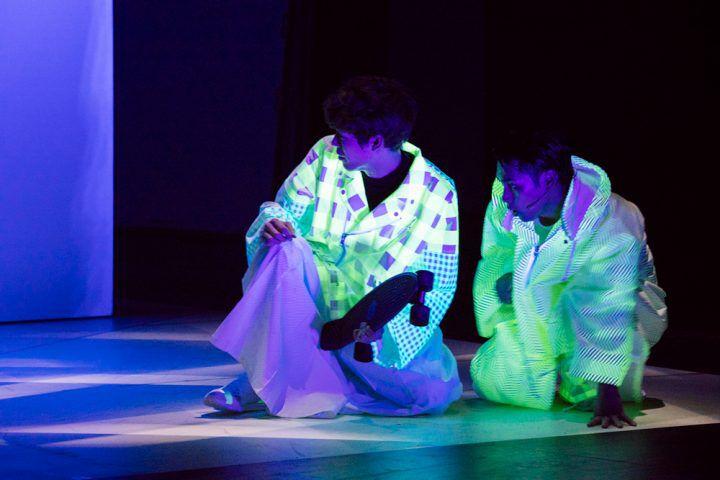"""柳楽優弥さん主演「マームとジプシー」の新作舞台「CITY」に注目!アンリアレイジによる""""光と影""""をイメージした衣装も"""