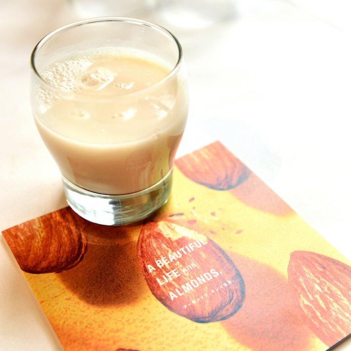 1日23粒、ビタミンEが豊富なアーモンドで健康かつキレイに!アーモンドフラワーやミルクなど味わい方も工夫して