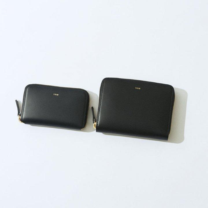男女兼用で使える《i ro se(イロセ)》の財布。ミニマルデザインと実用性