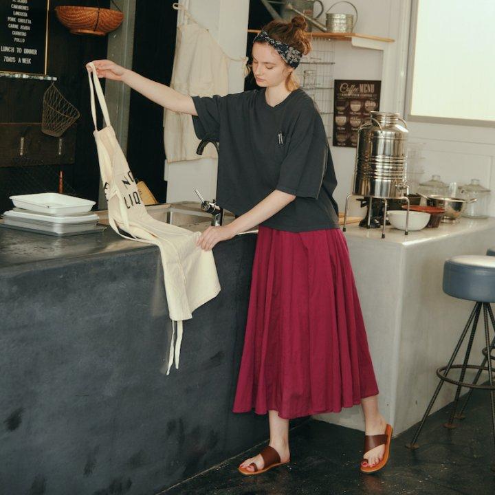 DAY06:発色の良いきれい色スカートを味方に【《セポ》の着まわし7days】