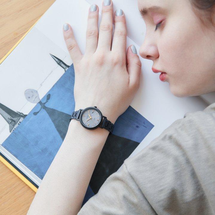 大人っぽくてかっこいい。私の自慢、《カシオ》SHEEN×FUDGEのコラボレーション時計。【FUDGE GIRLのためのアクセサリークリップス】