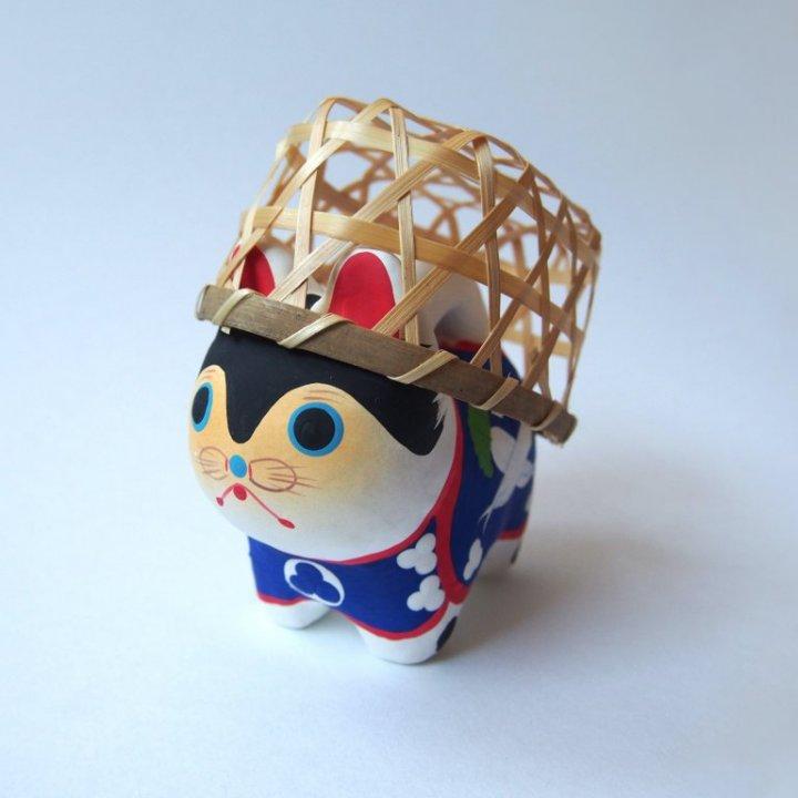 お茶目犬!群馬県「山名八幡宮」の「山名犬張り子」【旅するデザイナーがおすすめする旅先でのお土産たち!】
