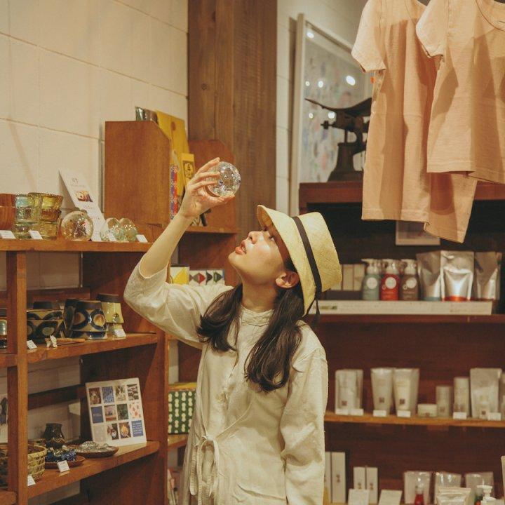 坂道を駆け下りて《四歩 吉祥寺店》-吉祥寺/雑貨・カフェ【前田エマの東京ぐるり】
