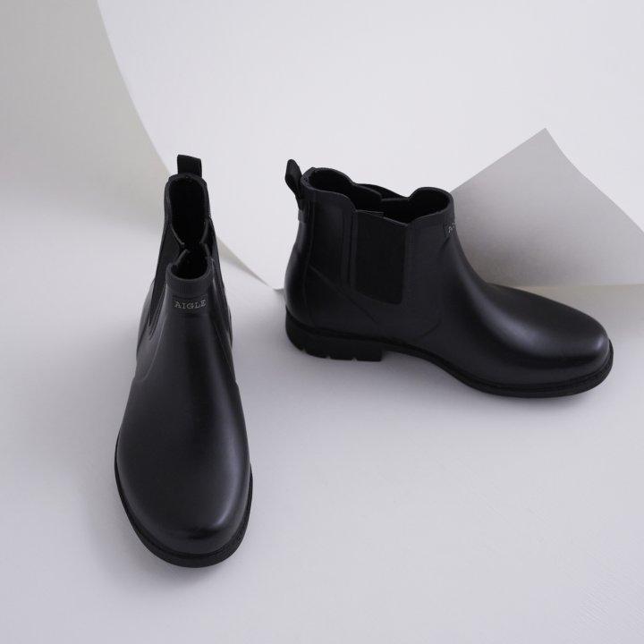 スニーカーのように晴れの日にも履きたくなるレインブーツを発見。《エーグル》のベーシックな1足。【FUDGE GIRLのためのアクセサリークリップス】