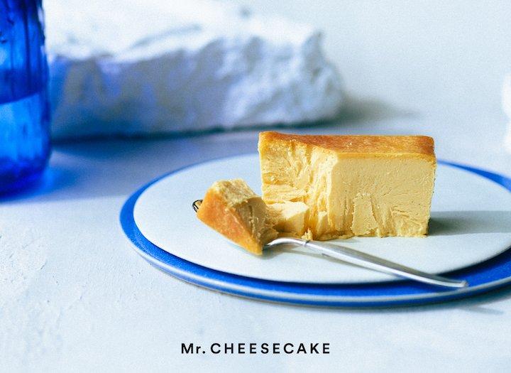 《Mr. CHEESECAKE》から、トロピカルな夏のチーズケーキが発売。マンゴーとパッションフルーツを使った限定フレーバー