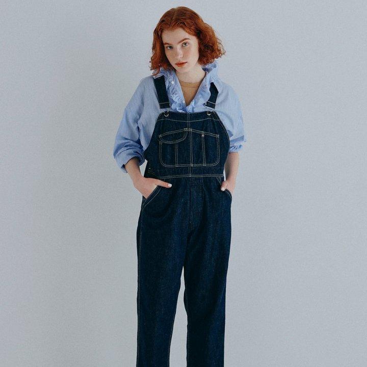 """一枚で着るのはもちろん、レイヤードや羽織りとして季節の変わり目にふさわしいアイテム【""""ドレスシャツ""""ガールの着まわし7days】"""
